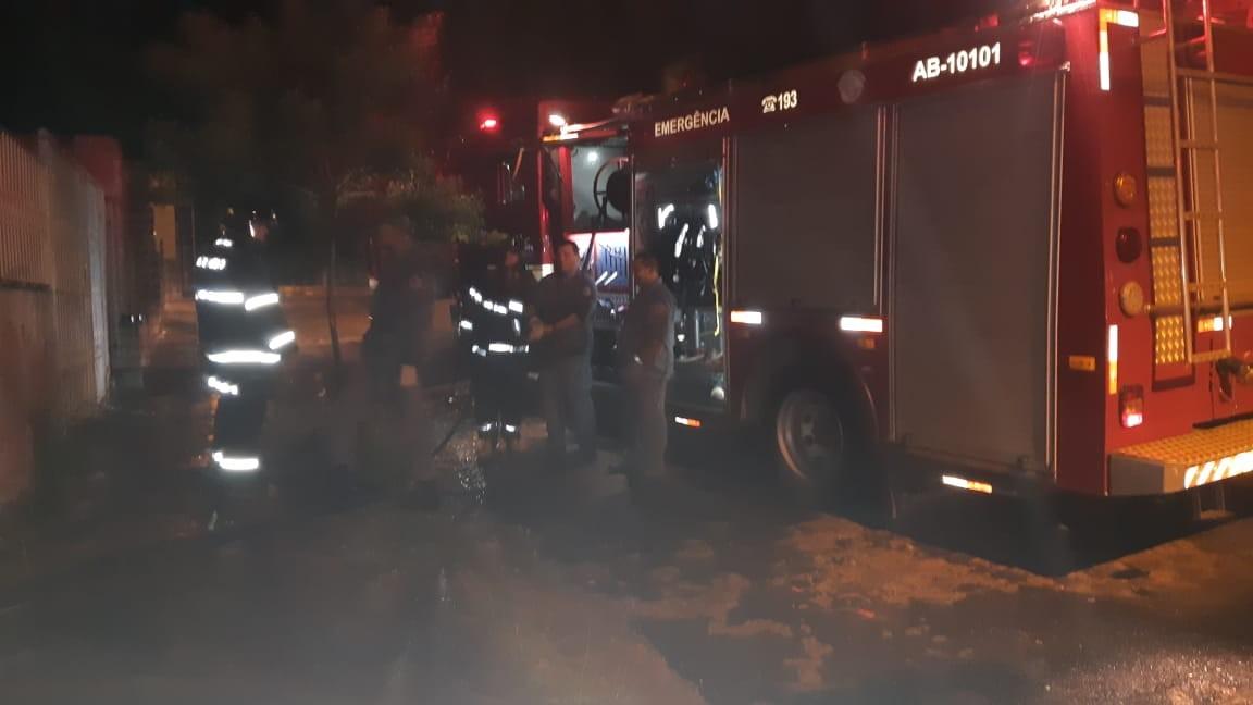 Incêndio atinge casa em processo de demolição em Marília