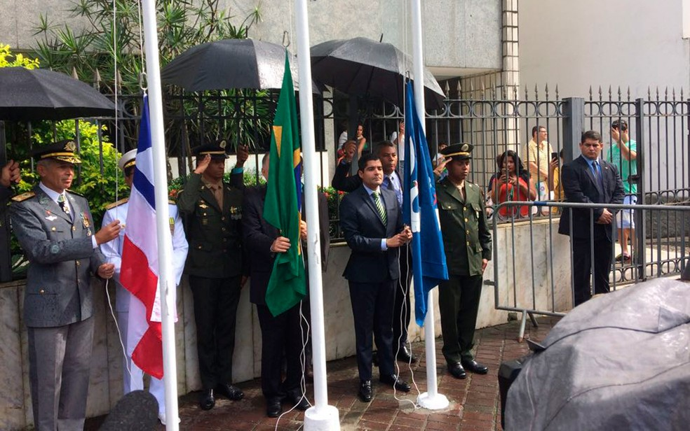 Vice-governador João Leão e ACM Neto em cerimônia do 7 de setembro (Foto: Henrique Mendes/G1)