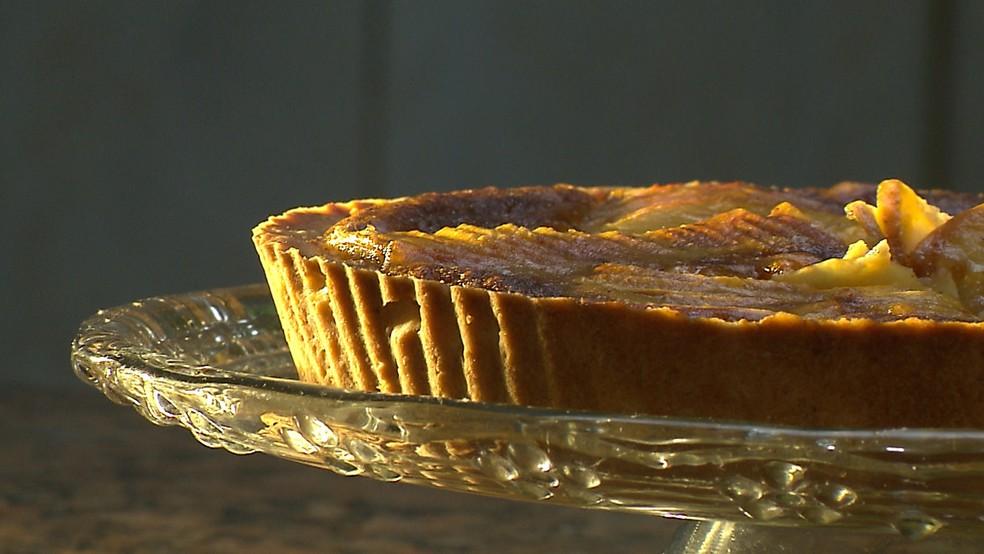 Chef JPB ensina a preparar torta de maçã (Foto: Reprodução/TV Cabo Branco)