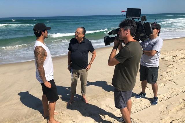 Gabriel Medina e Galvão Bueno (Foto: Levi Luiz/TV Globo)