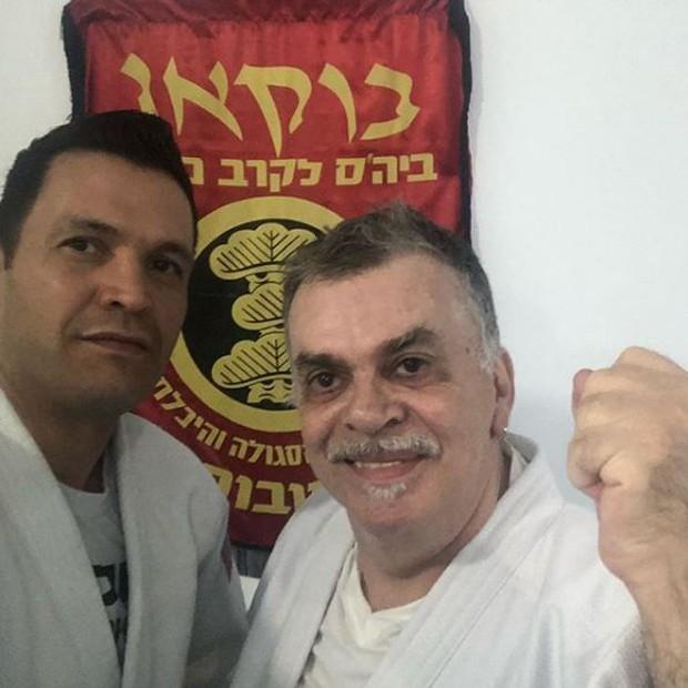 Walcyr Carrasco com seu professor de krav-maga (Foto: Reprodução/Instagram)