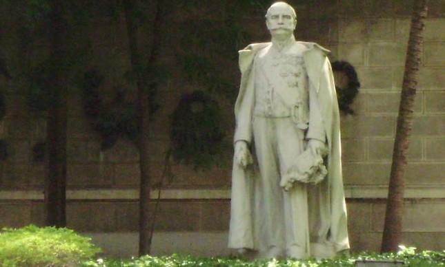 Estátua do Barão do Rio Branco, jardins do Palácio Itamaraty, Rio de Janeiro, Rj