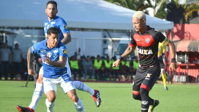 Vitória x Cruzeiro Neilton Romero