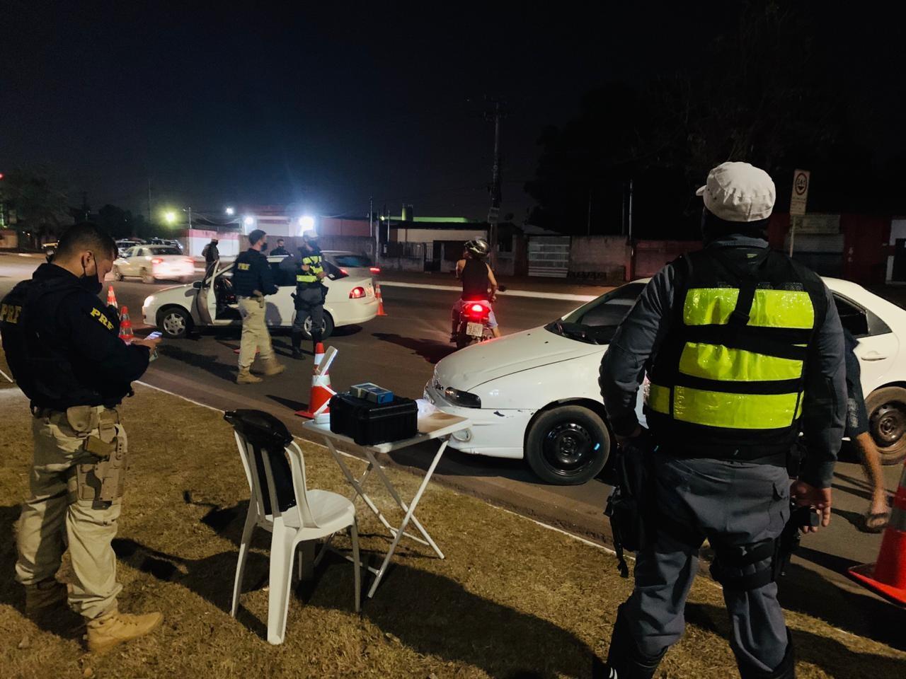 Quatro motoristas são presos por embriaguez durante blitz da Lei Seca em Cuiabá