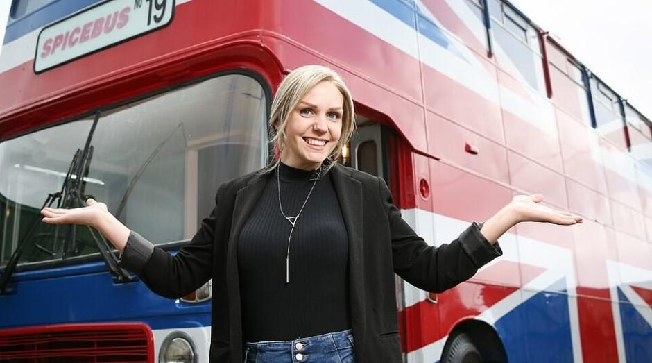 """Suzanne Godley, afitriã do """"Spice Bus"""" (Foto: Divulgação)"""