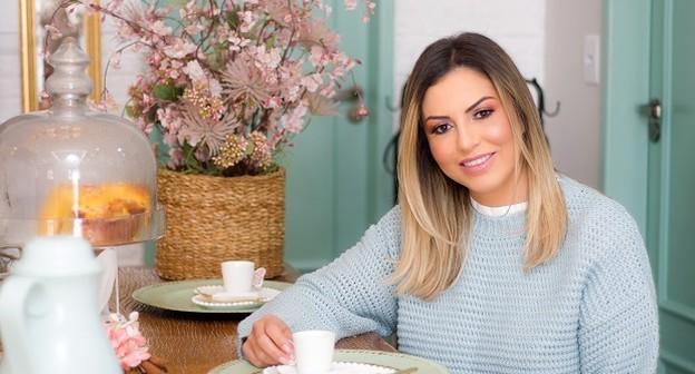 Com mesa de chá no salão de beleza, ela faturou R$ 5 mi e se tornou sócia da Ana Hickmann