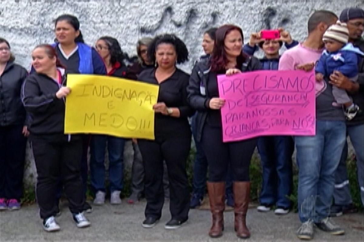 Prefeitura de Suzano recebe comissão de professores que protestaram contra a violência no bairro Miguel Badra Abaixo