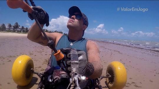 Paraibano se torna pioneiro no kitesurfe adaptado depois de ser baleado em assalto