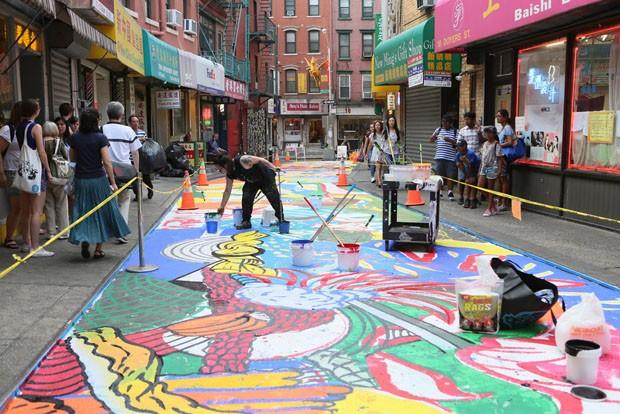 Artista transforma rua mais mortal dos EUA com mural gigantesco (Foto: Reprodução)