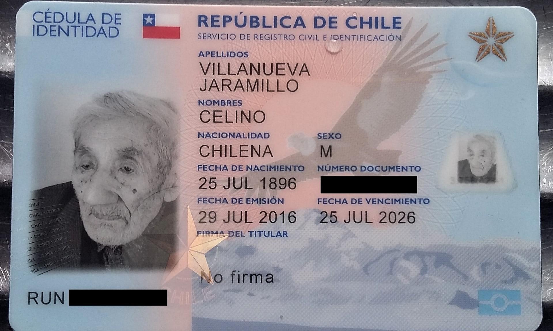 Carteira de identidade do chileno com sua data de nascimento (Foto: Reprodução)