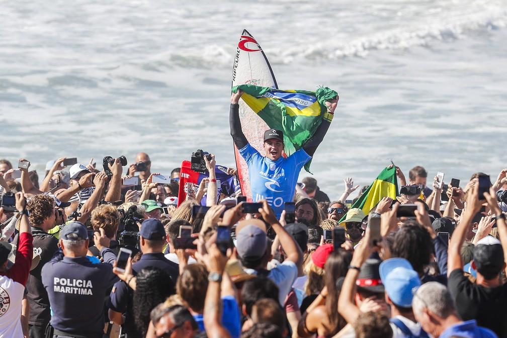 Gabriel Medina vibra muito com o título em Portugal (Foto: Divulgação/WSL)