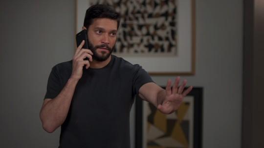 Diogo mente e pede grande quantia de dólares para Alberto