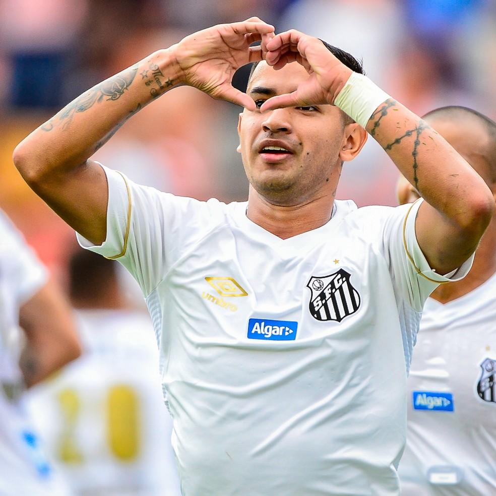 Derlis González marcou dois gols pelo Santos em 2019 — Foto: Renato Pizzutto/BP Filmes