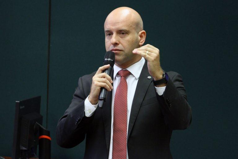 'Próximo de acontecer', diz secretário do Ministério da Economia sobre liberação de verba para o CNPq - Notícias - Plantão Diário