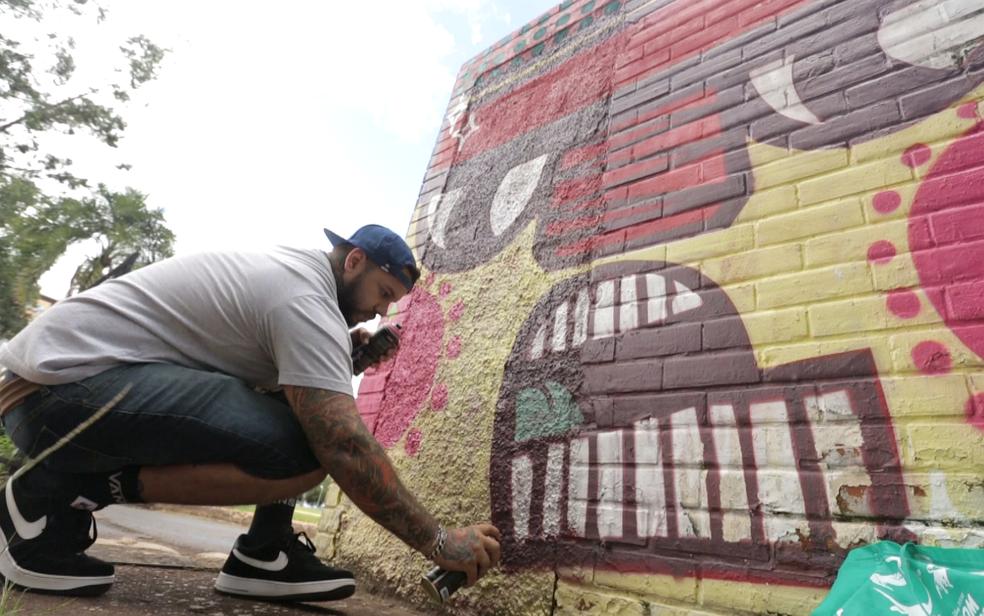 Daniel Toys, grafiteiro de Brasília  (Foto: TV Globo/Reprodução)