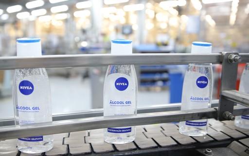 Nivea vai doar 110 toneladas de álcool gel e milhares de produtos em combate ao COVID-19