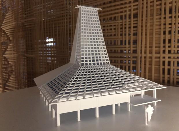 A arquitetura genuína da Indonésia serve de exemplo ao respeito e ao uso de materiais locais para a construção. O arquiteto Andra Matin trouxe as técnicas de erguer prédios em harmonia com o chão, o céu e a brisa que ornamentam a Merauke, cidade dividida  (Foto: Divulgação)