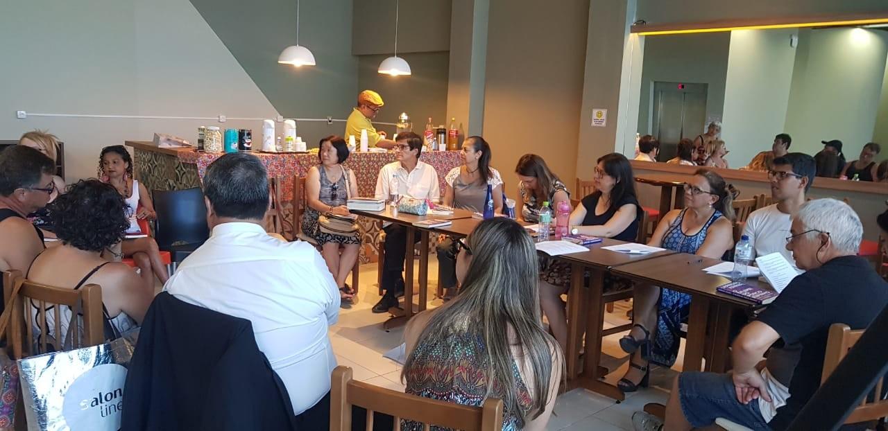 Café Literário discute obra de Isabel Allende no Centro Cultural de Mogi - Notícias - Plantão Diário