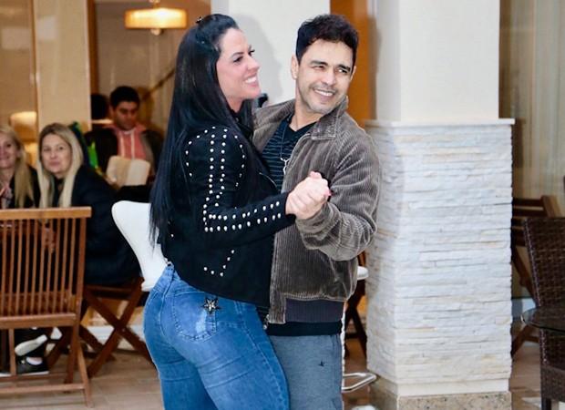 Zezé Di Camargo e a noiva, Graciele Lacerda (Foto: Brazil News)