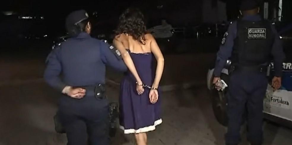 Mulher salva de porta-malas de carro em Fortaleza usou defeito na porta  para colocar mão para fora e chamar atenção | Ceará | G1