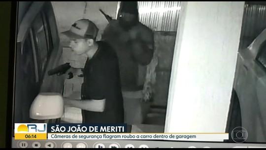 Ladrões roubam motorista dentro de garagem em São João de Meriti, na Baixada Fluminense; veja imagens