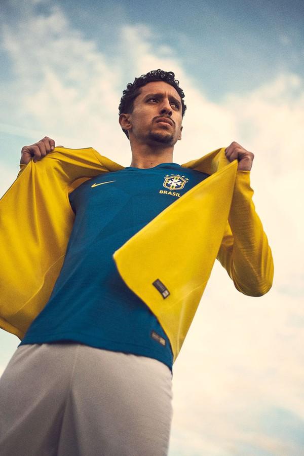 Marquinhos com novos itens da Seleção Brasileira (Foto: reprodução)
