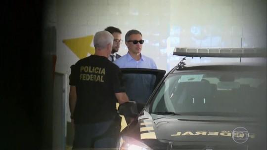 Márcio Lobão deixa carceragem da PF em Curitiba