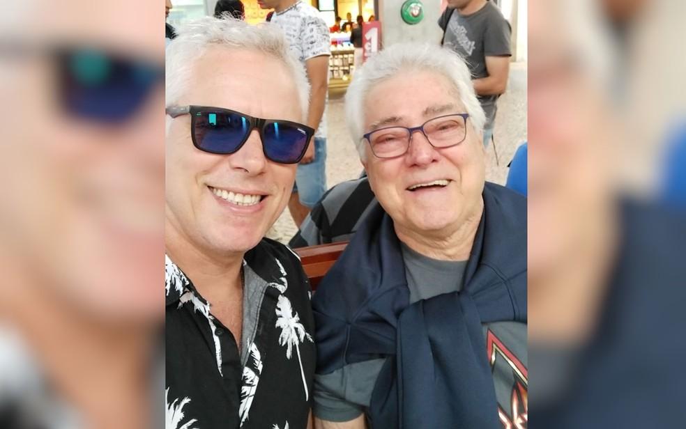 Fernando Lima e o pai, piloto Fernando Murilo Lima e Silva, que evitou um atentando ao Palácio do Planalto — Foto: Reprodução/Facebook