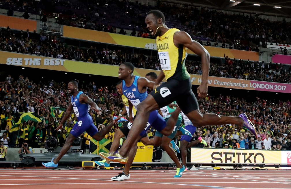 Gatlin cruza à frente de Bolt, que leva o bronze; Coleman é prata (Foto: Reuters)