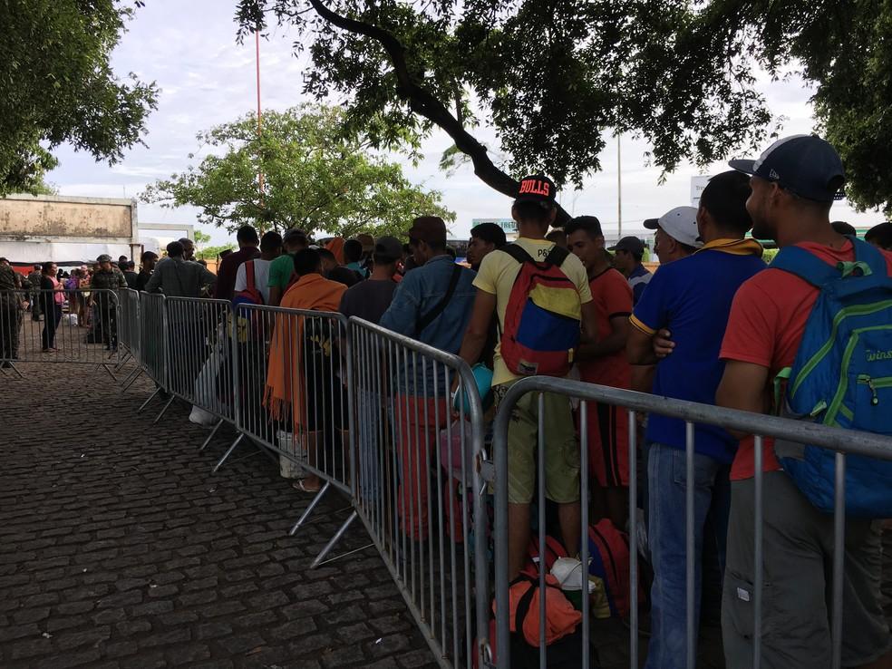 Em maio, mais de 840 imigrantes que viviam na praça Simón Bolívar, em Boa Vista, foram levados a abrigos (Foto: Emily Costa/G1 RR/Arquivo )