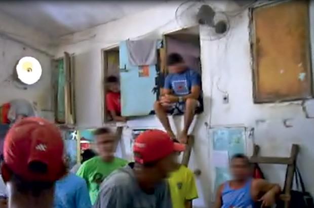 ALUGUEL DO BURACO - Custo: R$ 50 - Diária cobrada em dias de  visita para receber a família  (Foto:  )