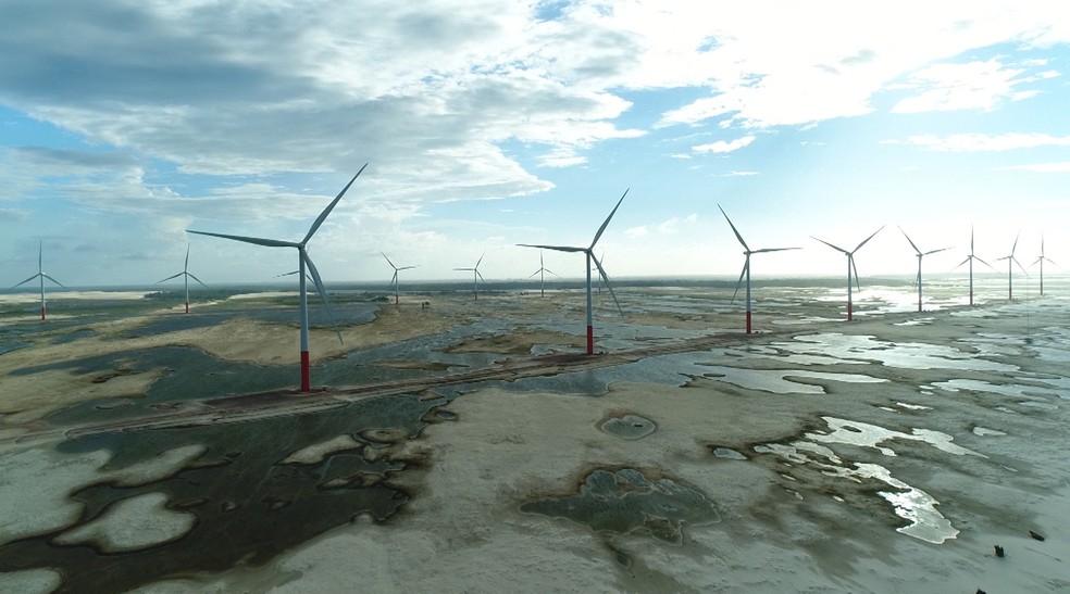 Parque eólico em Paulino Neves (MA) ajuda o Brasil a crescer como produtor de energia eólica. (Foto: Reprodução/TV Mirante)