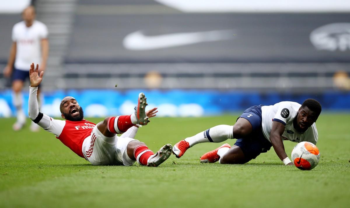Irmão do lateral marfinense Aurier, do Tottenham Hotspur, é morto a tiros em boate na França – globoesporte.com