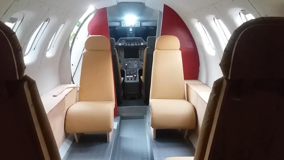 Estudo mostra que 13 passageiros se infectaram com a Covid-19 durante voo de 7h e alerta sobre os riscos de viajar de avião