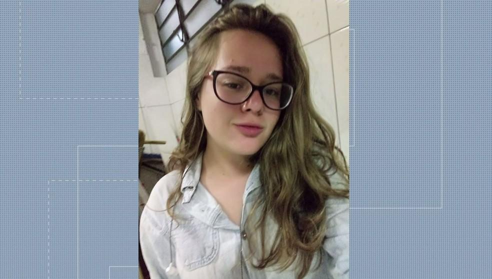 Corpo de Layane Aparecida da Silva foi encontrado com sinais de violência, em São José dos Pinhais — Foto: Reprodução/RPC