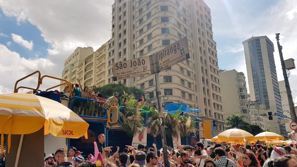 2cde6db0f8de1 ... Explode Coração terminou na esquina das ruas São João e Ipiranga neste  domingo (3)