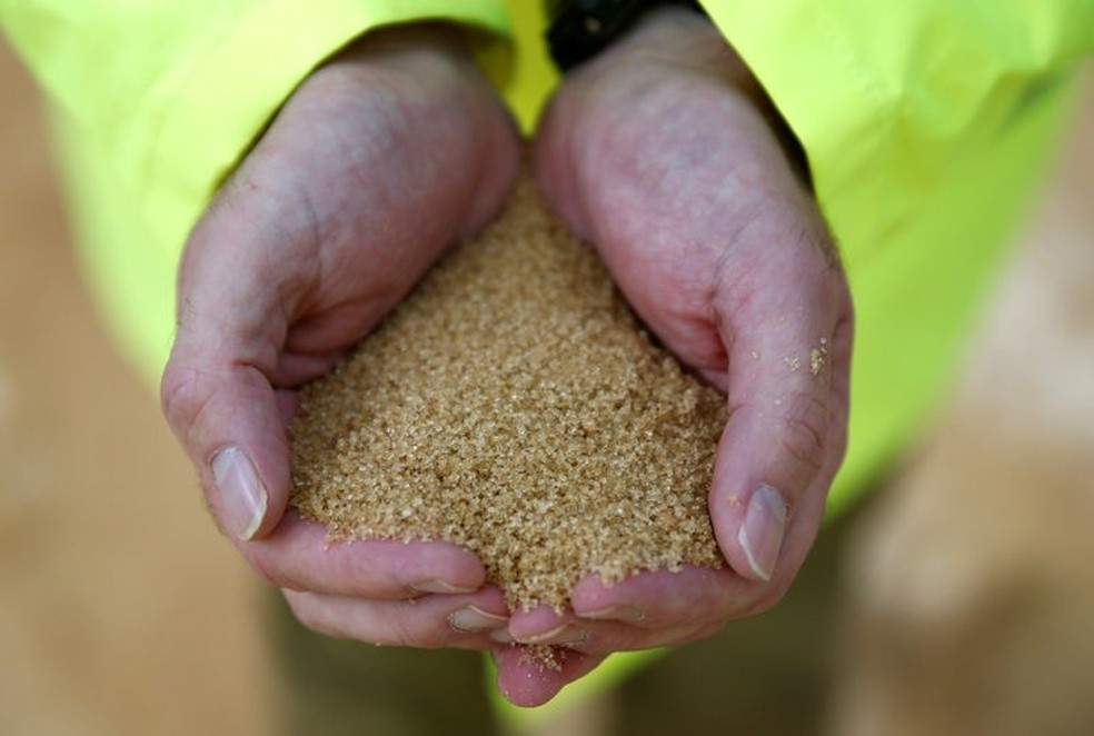 Açúcar bruto: alimento faz parte do índice calculado pela FAO — Foto: REUTERS/Peter Nicholls