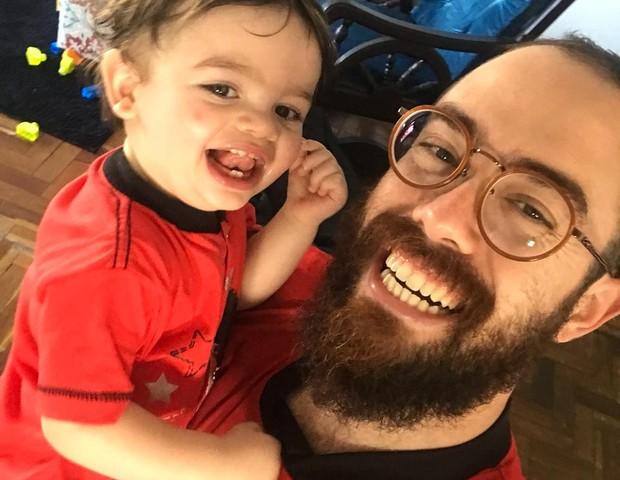 Rafael é pai solteiro, mas desde cedo faz questão de ter seus momentos com o filho, Caê (Foto: Arquivo pessoal)