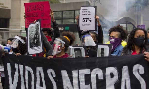 Manifestações em São Paulo com representantes do movimento negro, em junho