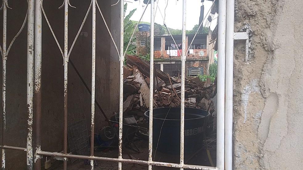 Casa é interditada no bairro Boa Sorte, em Barra Mansa — Foto: Divulgação/Defesa Civil