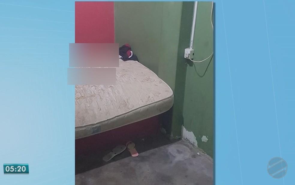Kamila foi encontrada morta nua sobre uma cama — Foto: TVCA/Reprodução