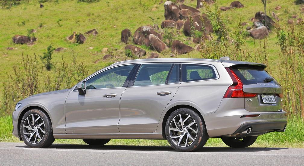 V60 mantém as peruas vivas na linha Volvo, invadida pelos SUVs — Foto: Divulgação/Volvo