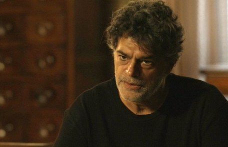 Na sexta-feira (5), Murilo (Eduardo Moscovis), ao encontrar Valentina (Lilia Cabral) ao lado da cama de Gabriel no hospital, perguntará se ela foi a responsável pela tentativa de assassinato TV Globo