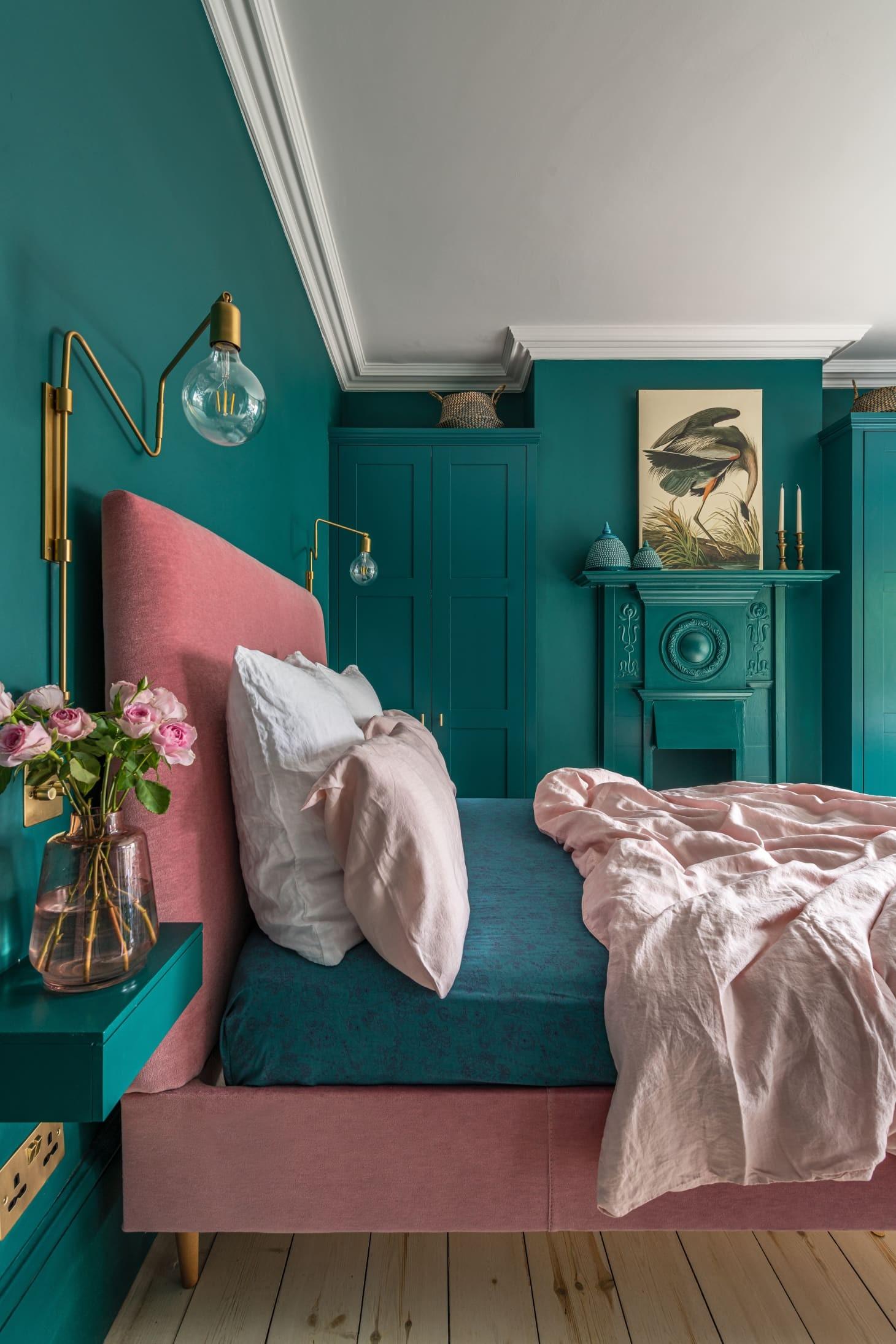 Décor do dia: quarto de casal rosa e verde-azulado