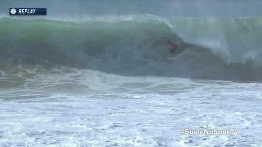 Joel Parkinson pega ótimo tubo no Mundial de Surfe em Portugal