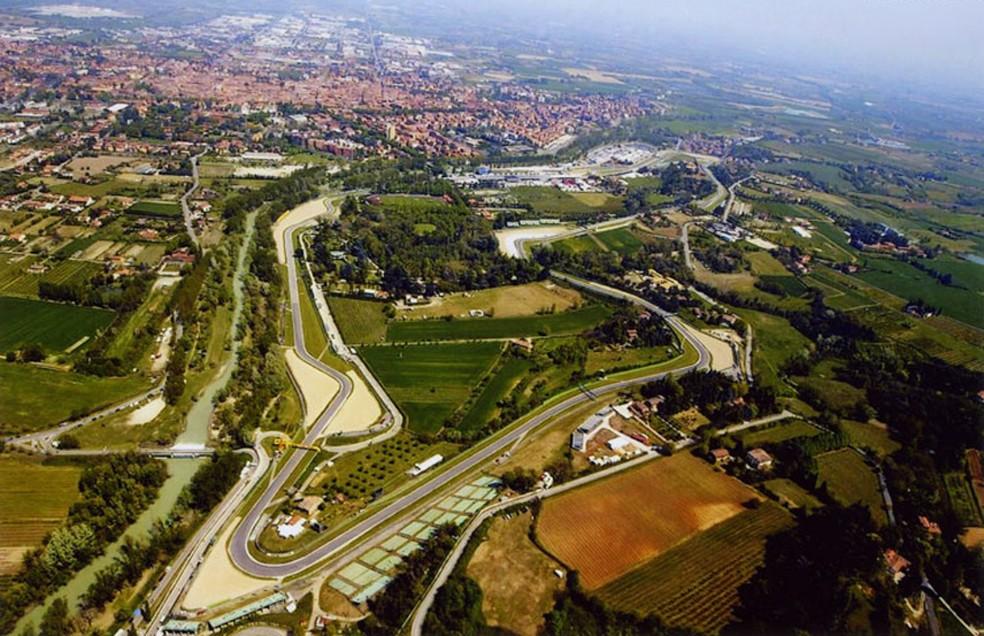 Vista aérea do Autódromo Enzo e Dino Ferrari, em Ímola — Foto: Divulgação