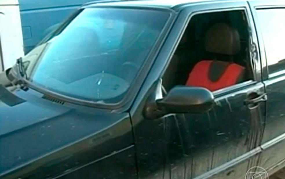 Vítima estava no carro com a mulher e a filha quando foi atacada (Foto: Divulgação/TV Globo)