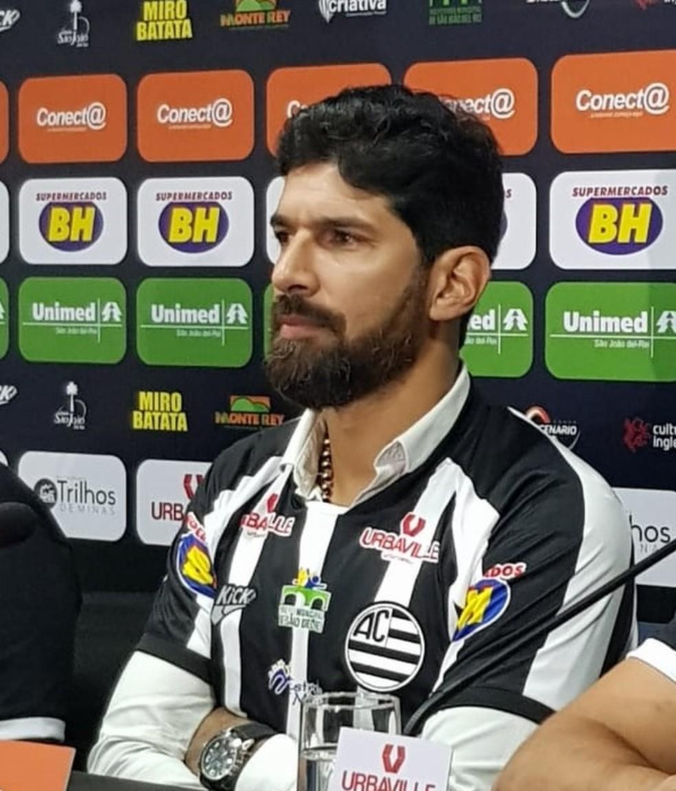 Loco Abreu é a grande contratação do Athletic para a disputa do Mineiro  — Foto: Cláudio Gomes