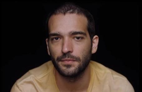Na quinta (5), Domênico/Sandro (Humberto Carrão) será atingido ao proteger Lurdes durante uma troca de tiros Reprodução