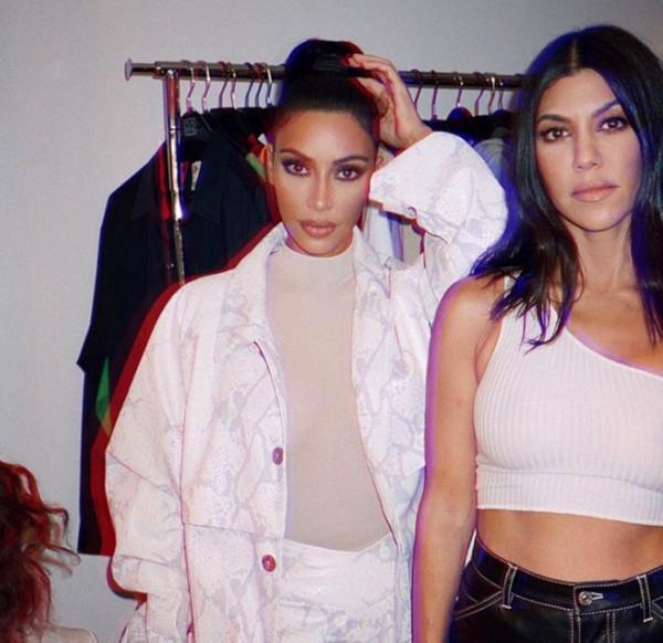 Kim Kardashian e Kourtney Kardashian (Foto: Instagram)